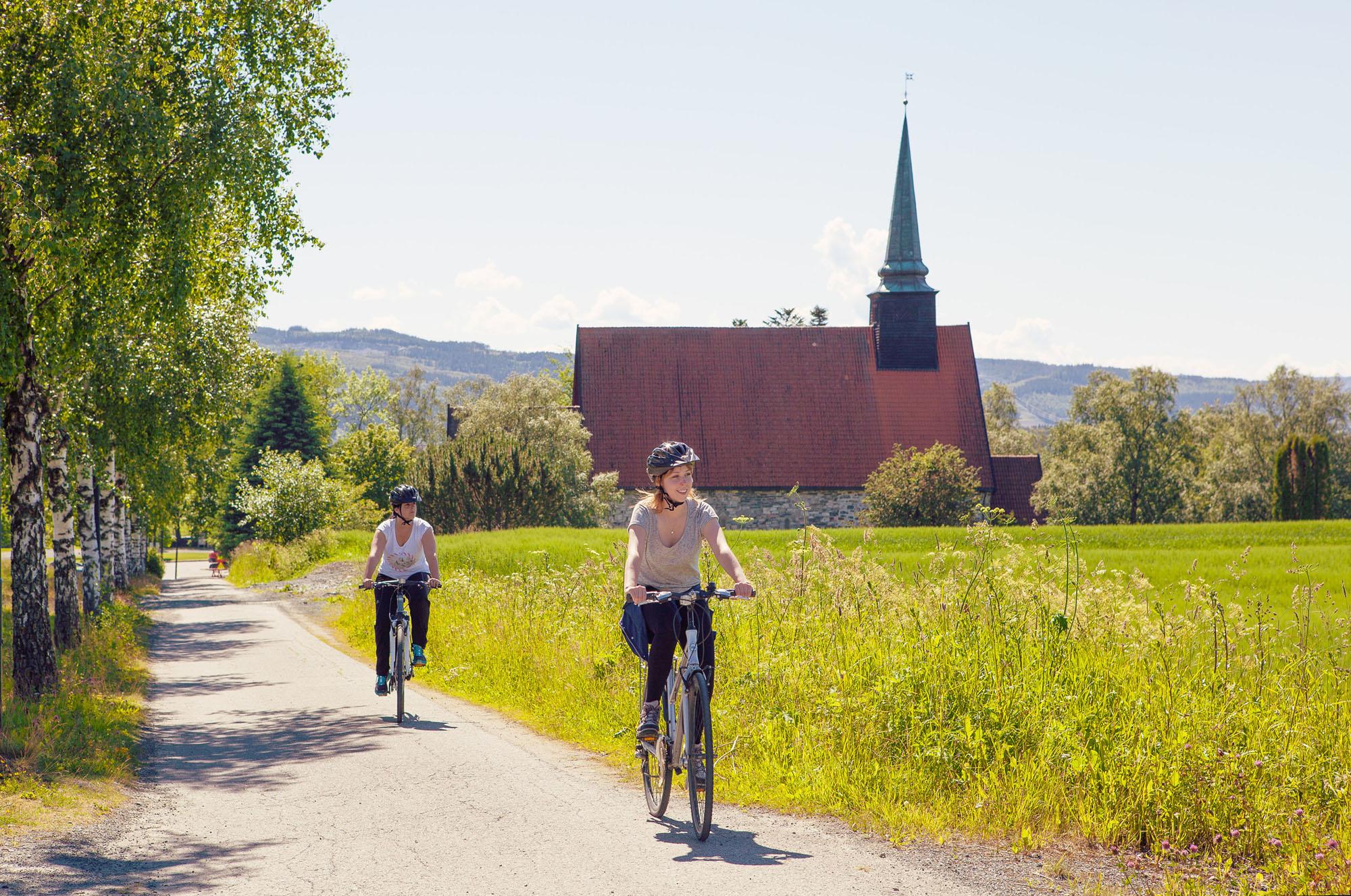 Biking Norway across via Stiklestad. Photo: Steinkjerfotografen